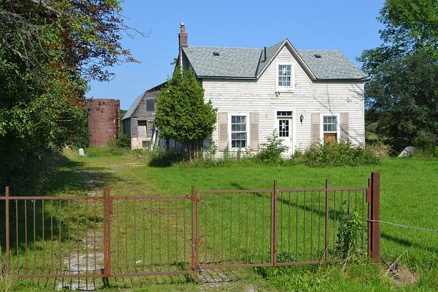 zahrada, domek, plot